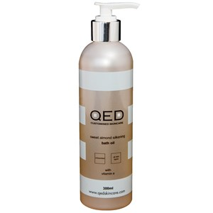 QED Sweet Almond Silkening Bath Oil 300ml